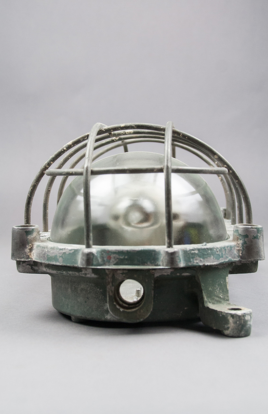 River Turtle | Large industrial Turtle lamp with screw-cage