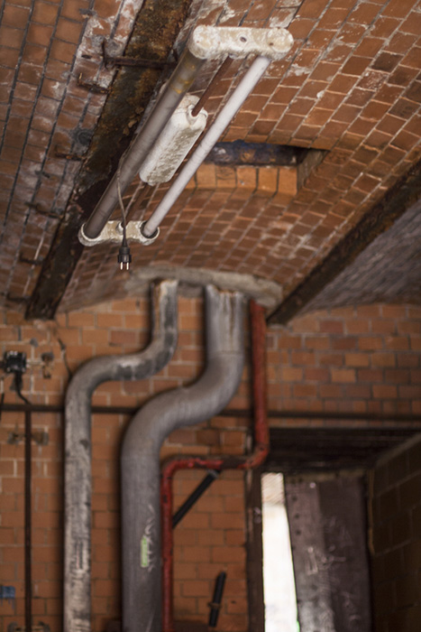 Red Deer | Double Tube Fixture From Early DDR-era