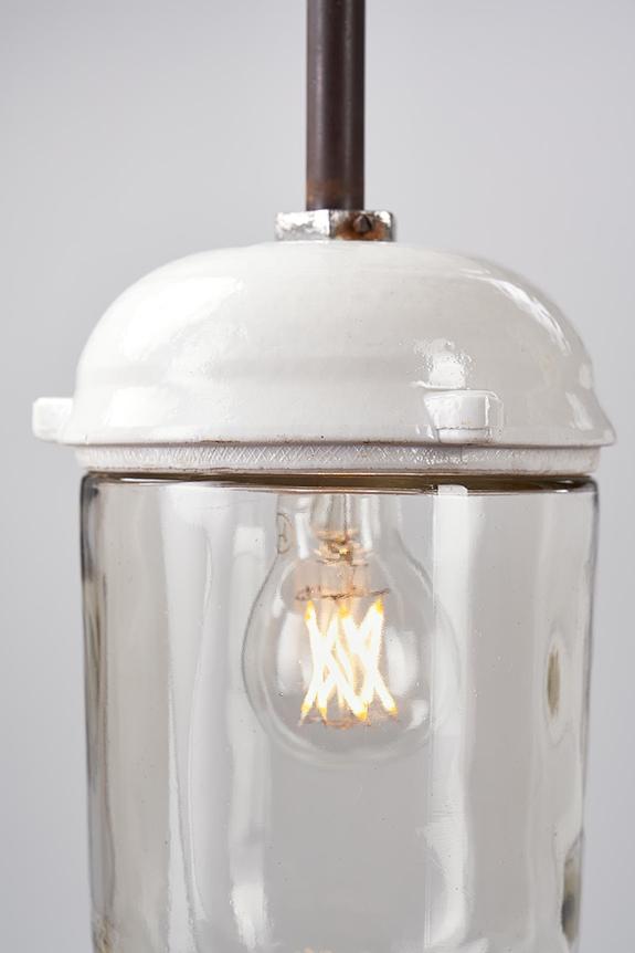 Porcelain-Base-Pendant-Lamp-Nautilus