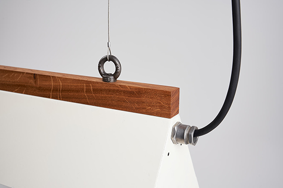 Suspension-Eyes-Pendant-White-Dolphin