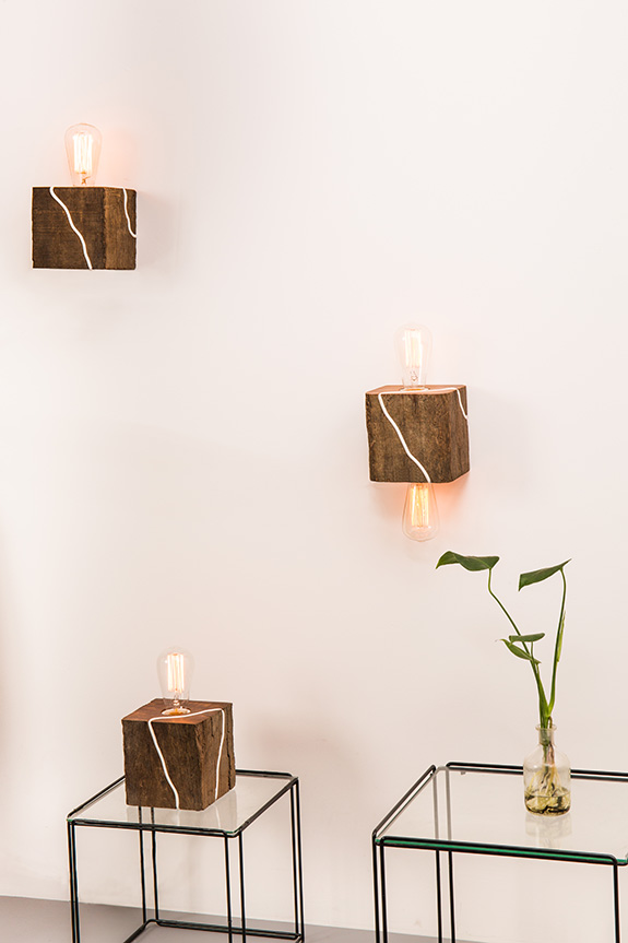 Cubic Shaped Wooden Table Lamp Cape Fox Blom Amp Blom