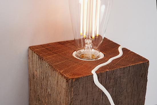 Bulb-Warm-Glow-Wood-Wall-Light-Red-Fox