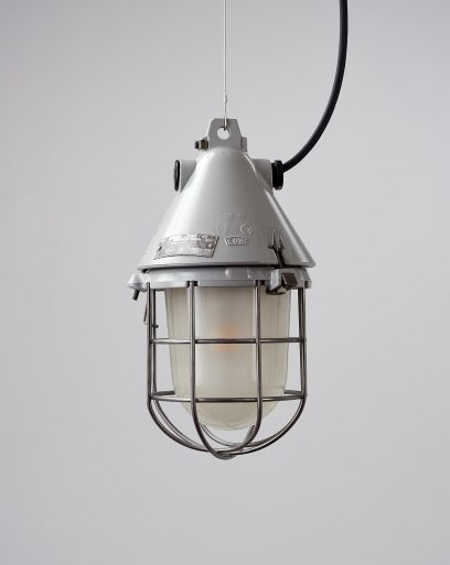 Pendant-lamp-industrial-cage-diffuse-off