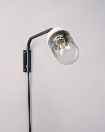 Wall-Lamp-Glass-Porcelain-Anchored-Baby-Nautilus-Off