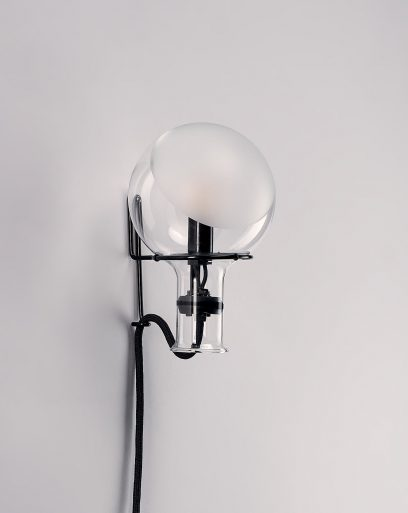 wall-lamp-laboratory-glass-spotted-jellyfish-female-off
