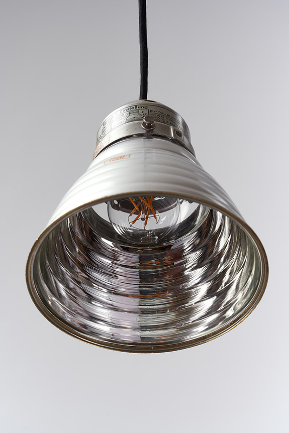 Inside-Pendant-Lamp-Little-Hermit-Crab