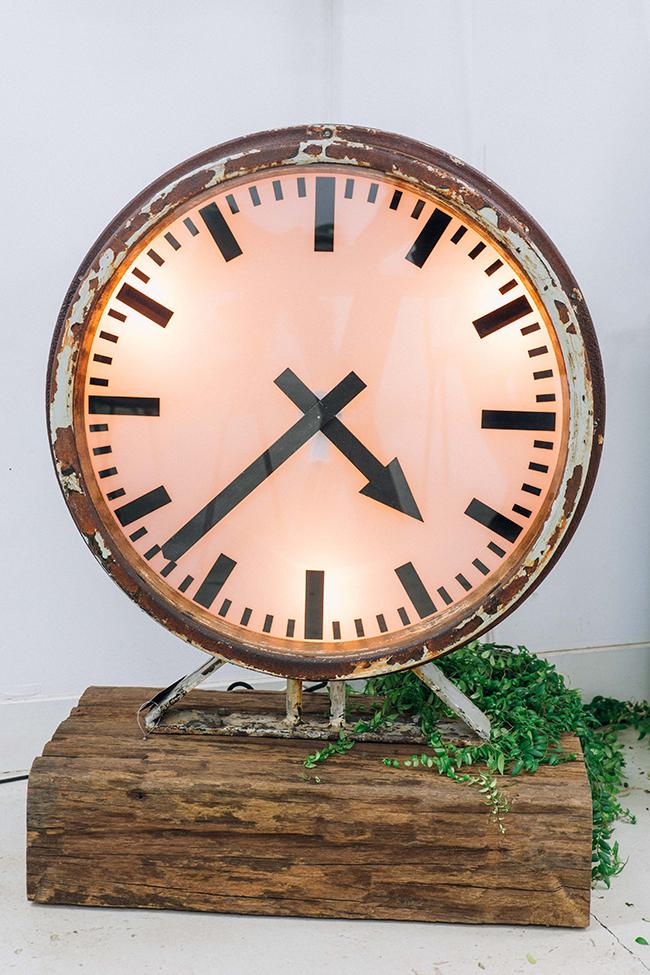 Large-Clock-Basralocus-Cuckoo-Floor-Interior